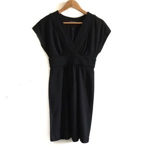 🌻 Banana Republic Women's Black Mini Dress 🌻